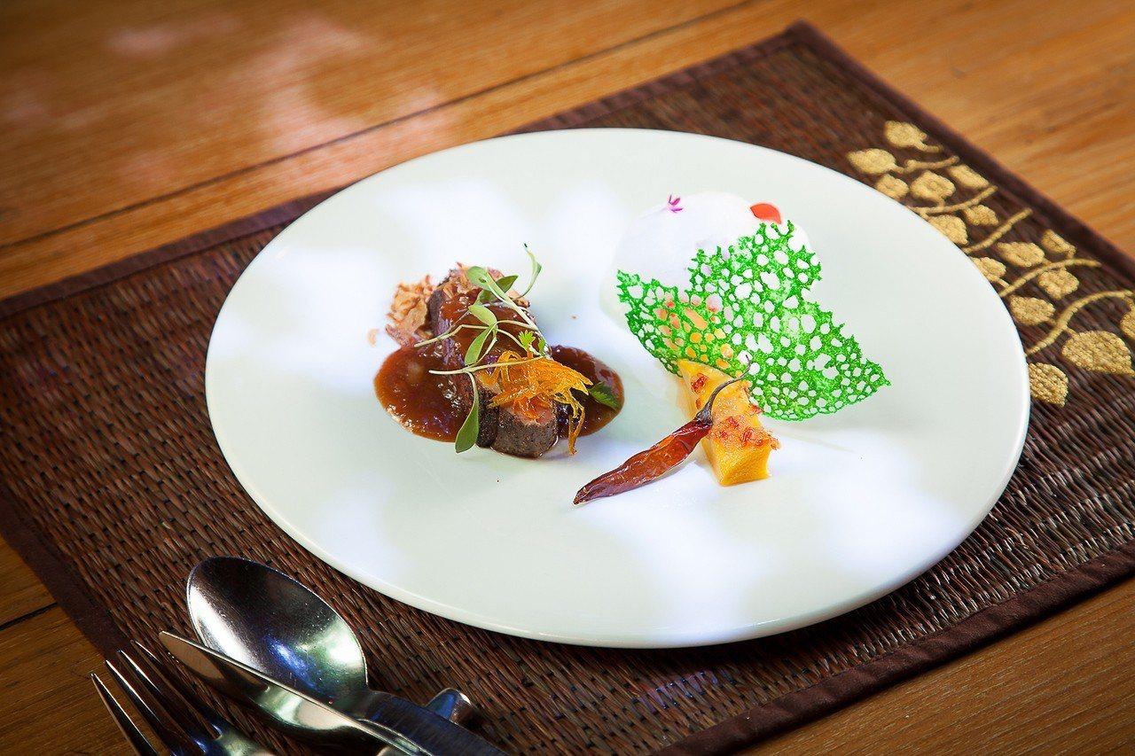 長榮鳳凰酒店(礁溪)則於9月28日到10月1日間,舉行「泰精彩.米其林一星饗宴」...