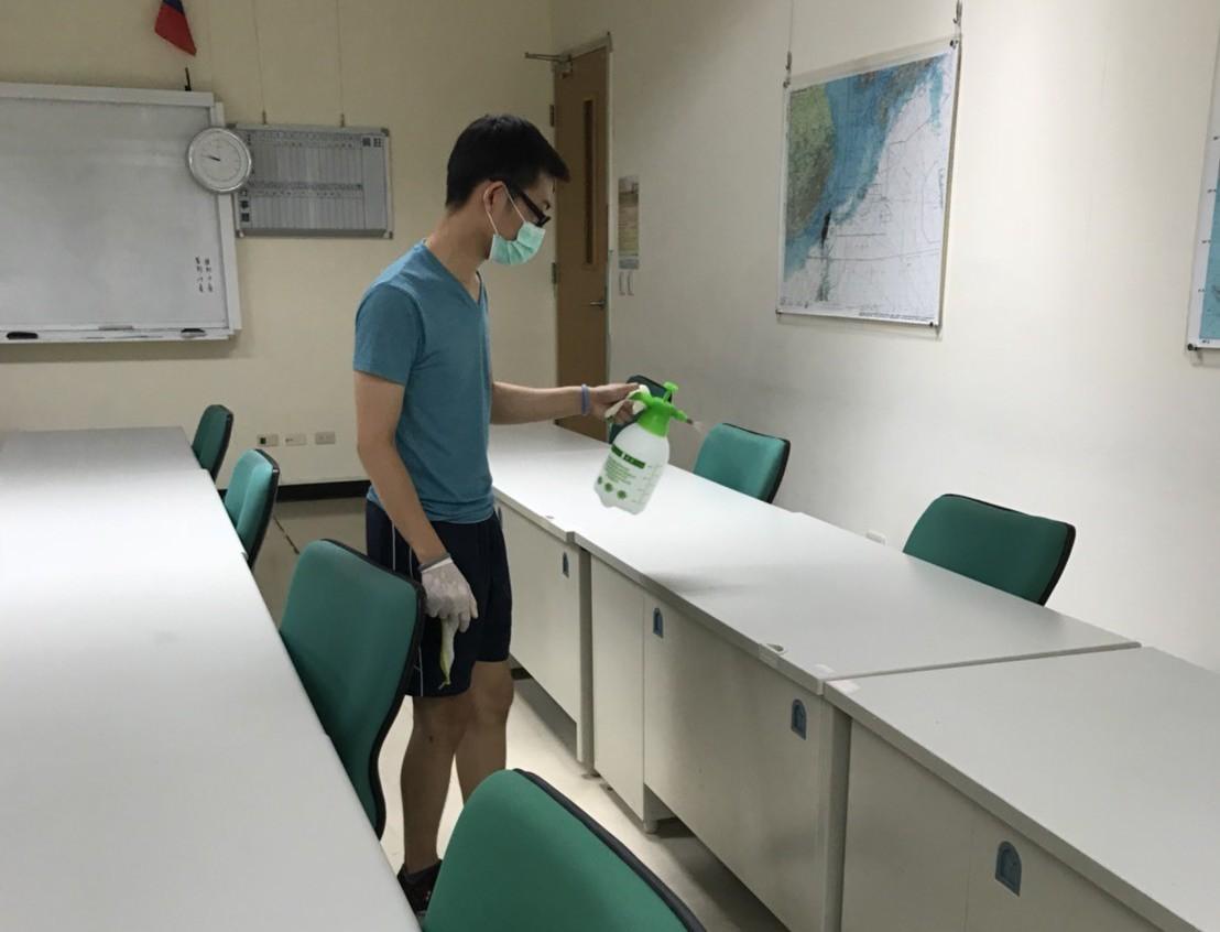 桃園八德國防大學校區傳出學員A型流感群聚感染,校方第一時間已啟動相關防疫措施,清...