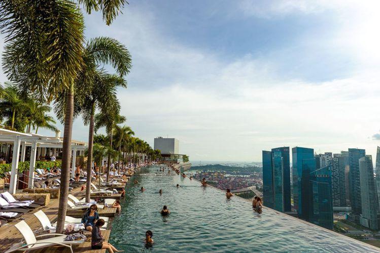 金沙酒店上有全世界最高的無邊際泳池。圖/新加坡旅遊局提供