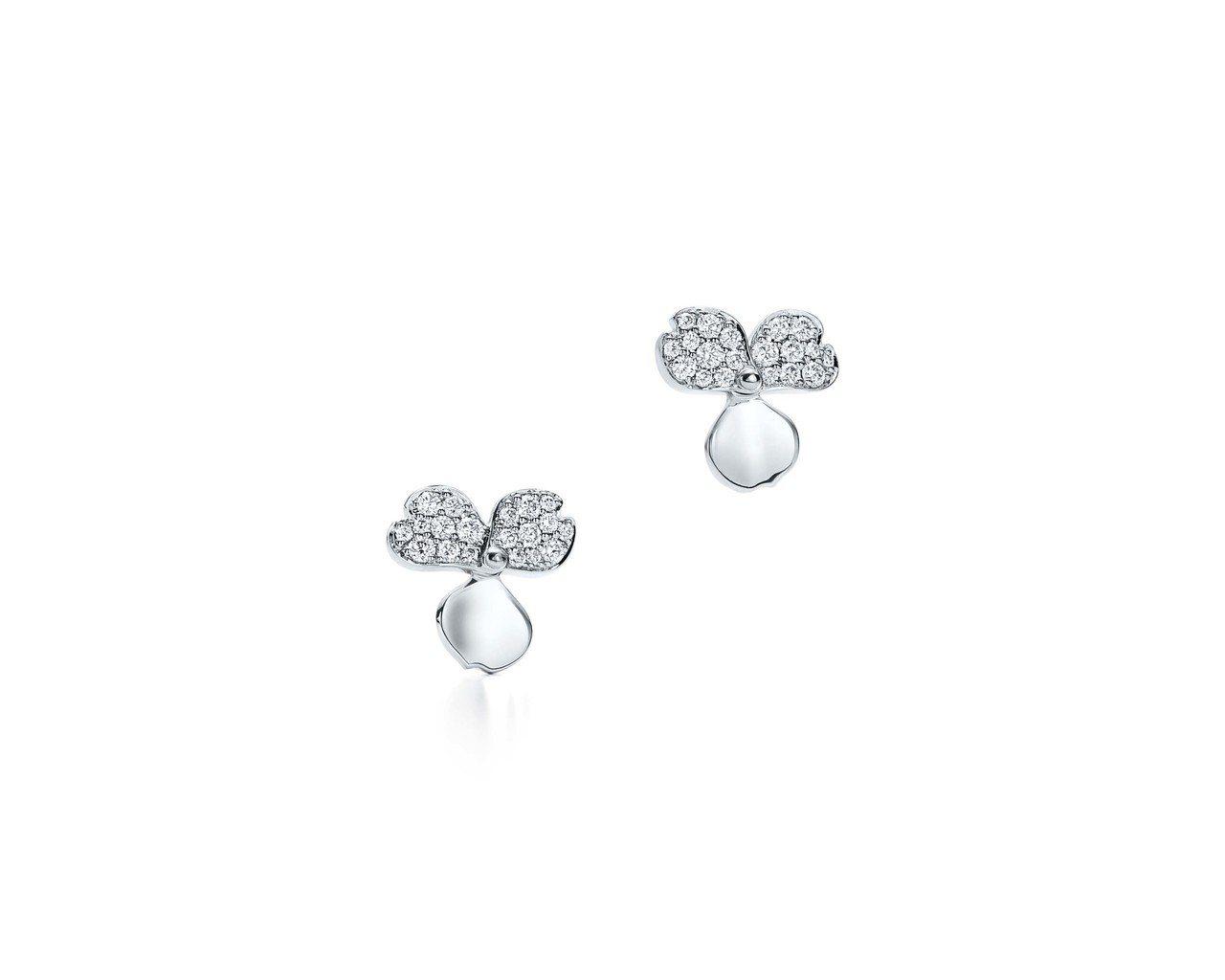 趙又廷配戴的Tiffany Paper Flowers 系列耳環,花瓣設計鉑金鑲...