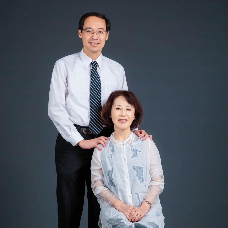 楊偉中母親曾縵雲今年83歲,母子感情好。曾縵雲說,受丈夫楊逢泰的身教影響,兒子也...