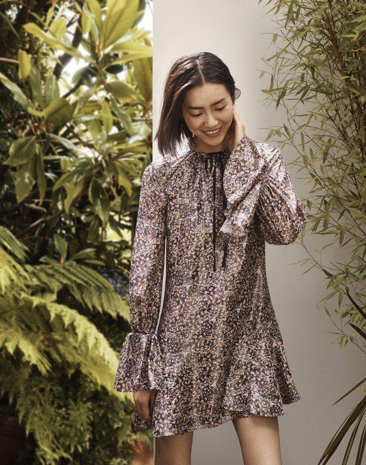 超模劉雯演繹H&M秋冬Conscious Exclusive系列,浪漫的剪裁輪廓...