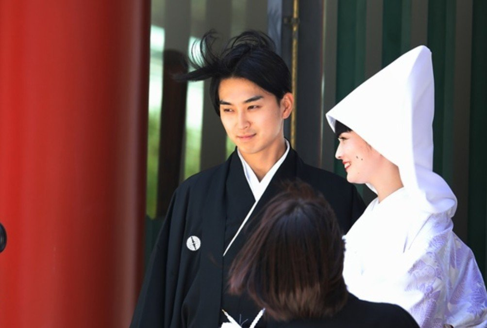 松田翔太娶回名模秋元梢。圖/摘自女性自身