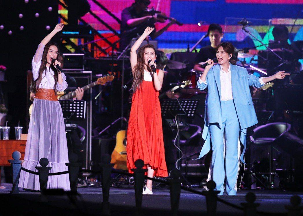 S.H.E 11日舉辦出道17周年的「十七音樂會」。記者徐兆玄/攝影