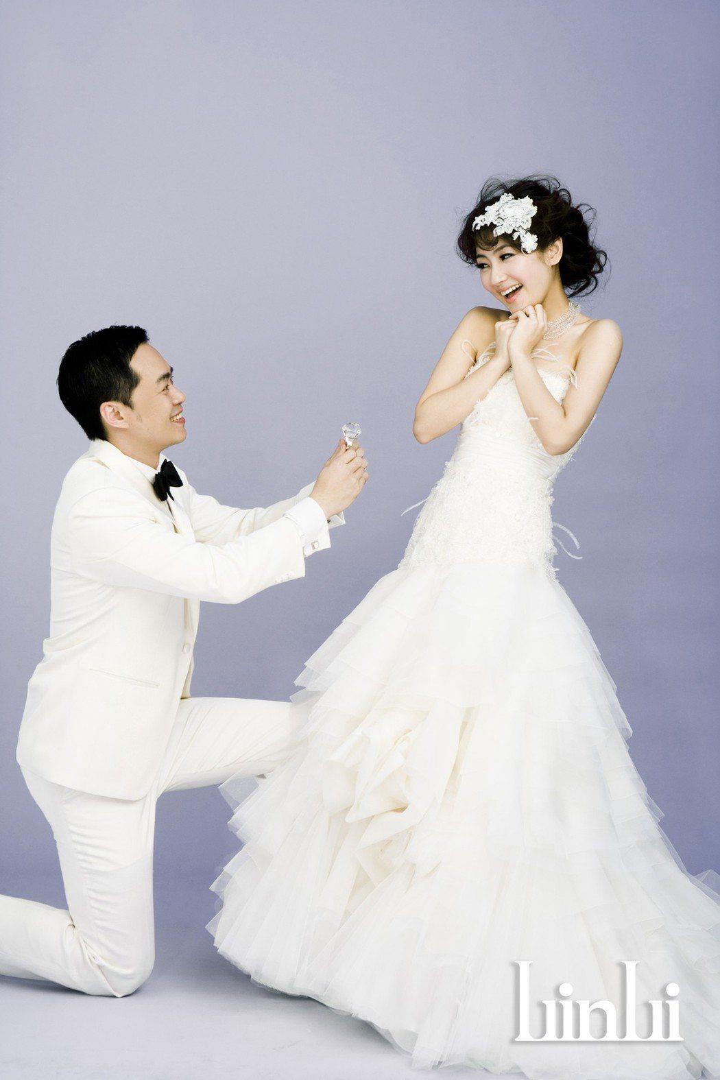 這是Selina受傷前拍的婚紗。圖/華研提供