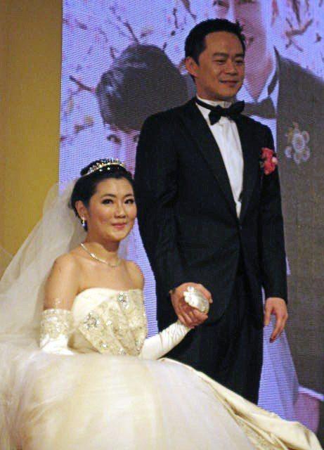Selina(左)與阿中(右)2011年在台北舉辦婚禮。圖/本報資料照片