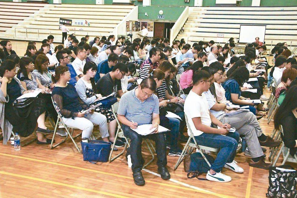 日本佐藤學「學習共同體」教學方法中,「學生」才是學習主角,互相教學,在昨天共識營...