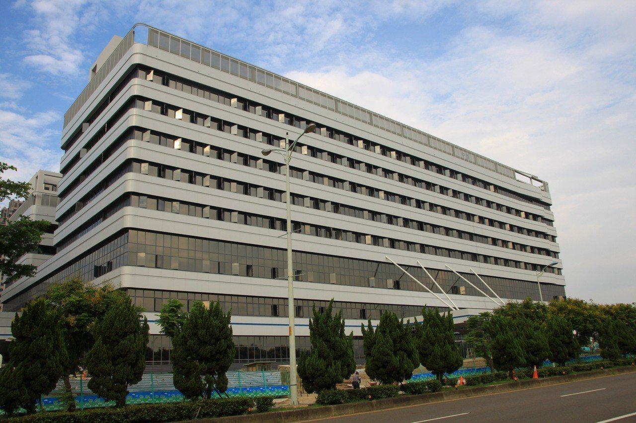 中國醫藥大學新竹附設醫院陸續完工中,預計今年底可營運。 記者郭政芬/攝影