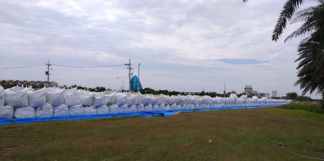 山竹颱風昨上午增為強颱,中央氣象局預估,如果沒太大變化,最快周五發布海警。 圖/...