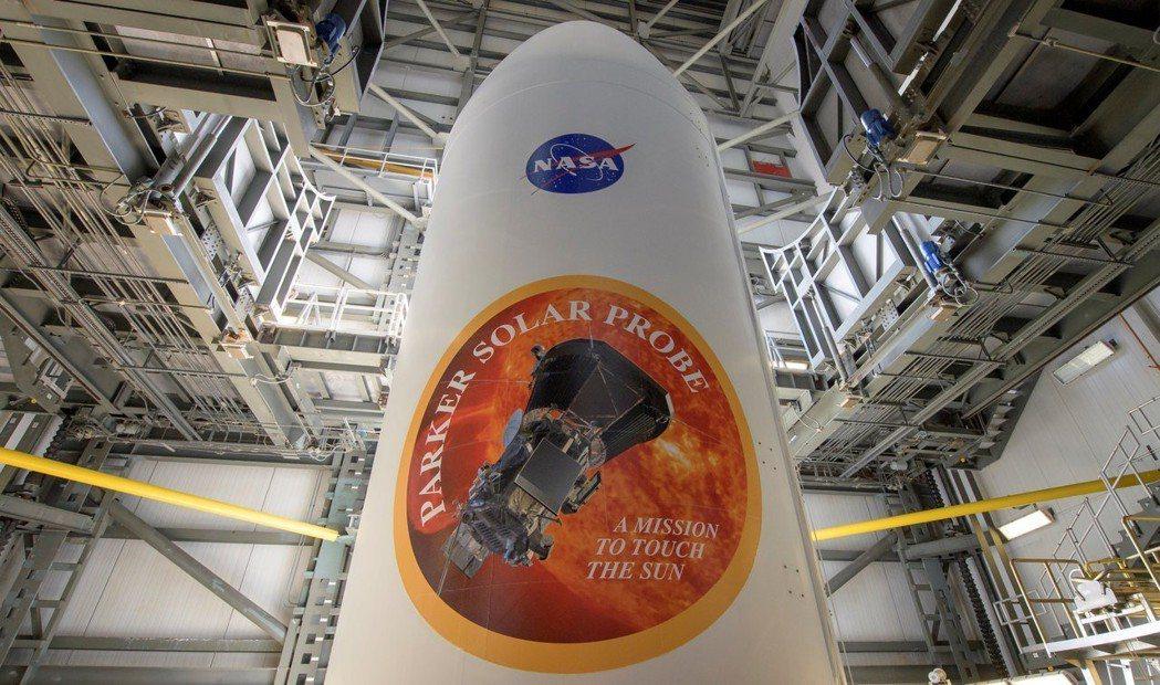 NASA正研究出售火箭命名權的可行性,未來發射的火箭也許會出現知名企業LOGO。...