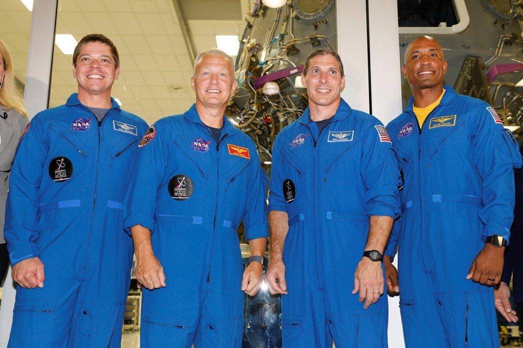 四名NASA太空人明年四月將搭乘民營太空公司SpaceX的太空船,前往國際太空站...