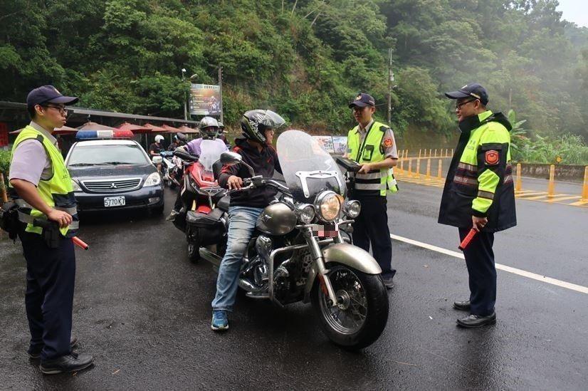 不少騎士愛到北宜公路騎車,警方為防意外,實施定點交通稽查。 圖/聯合報系資料照片