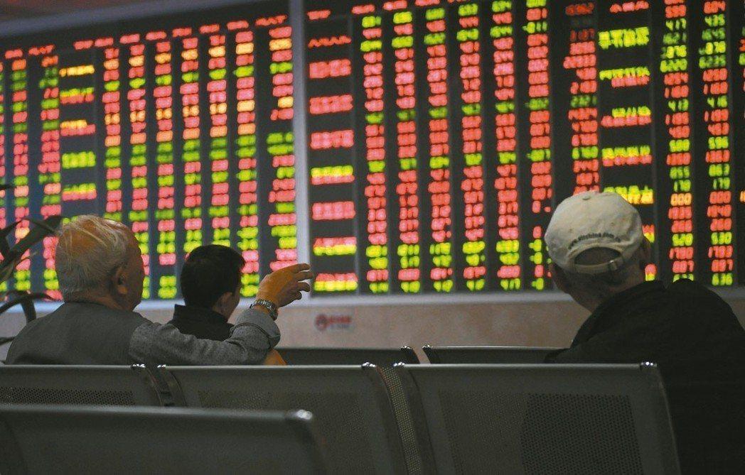 進入傳統旺季,中國市場整體投資信心仍相對疲弱。 中新社