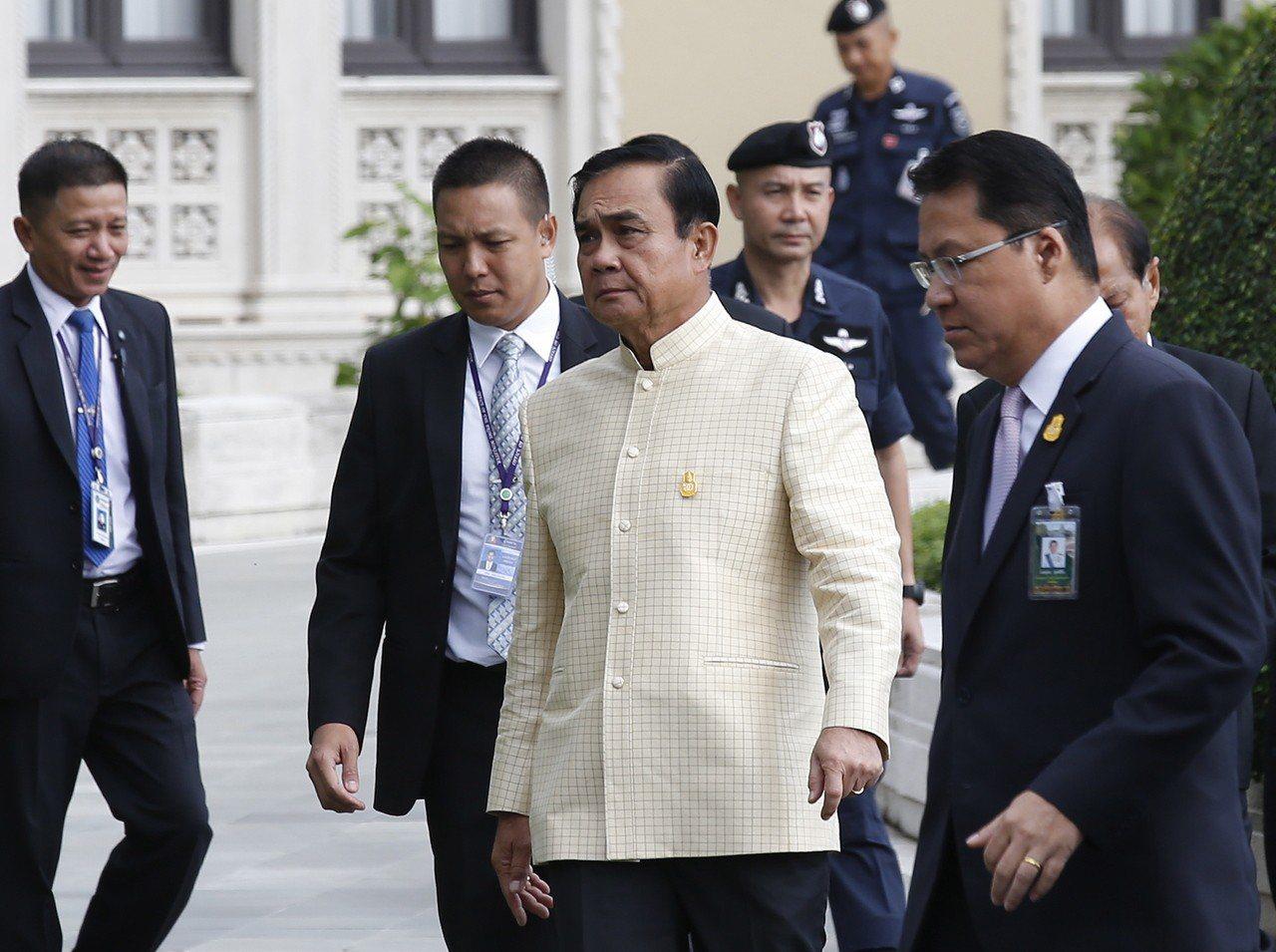 泰國總理帕拉育(Prayut Chan-O-Cha,左3)。 歐新社