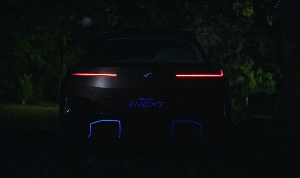 BMW Vision iNext車尾。 截自BMW影片