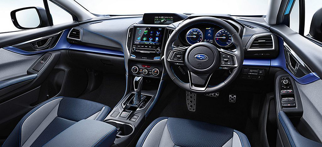 Subaru XV Advance除外觀有專屬車色外,內裝也特地採藍色飾板與座椅...