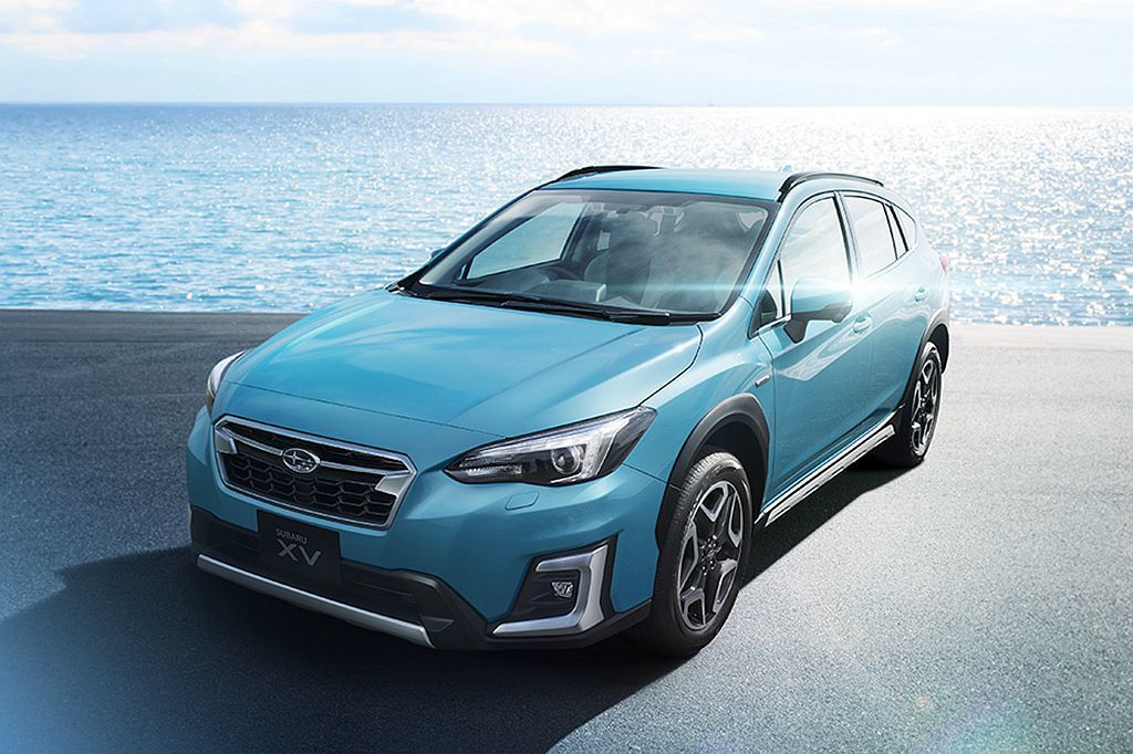 一改過往Subaru性能深藍色印象,嶄新的「珊瑚珍珠藍」車色讓人眼睛為之一亮。 圖/Subaru提供