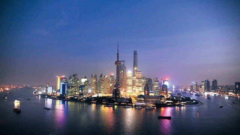 上海,中國的金融重鎮,承載著所有投資人的美夢。貿易戰開打後,今年以來股市跌幅擴大...