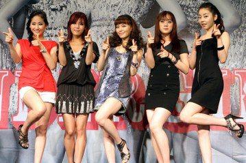「豬隊友⋯⋯不對,是豬隊長啊!」在JYP藝人的粉絲眼裡,朴振英(박진영,Park Jin Young)大概就是這樣的公司老闆吧。關於他「豬隊長」說法,大致有幾種:1.旗下的藝人開高走低,剛出道聲望氣...