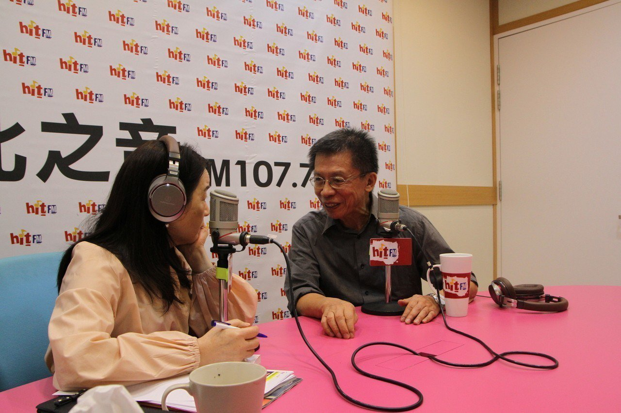 前民進黨立委沈富雄今接受廣播節目訪問。圖/蔻蔻早餐製作單位提供