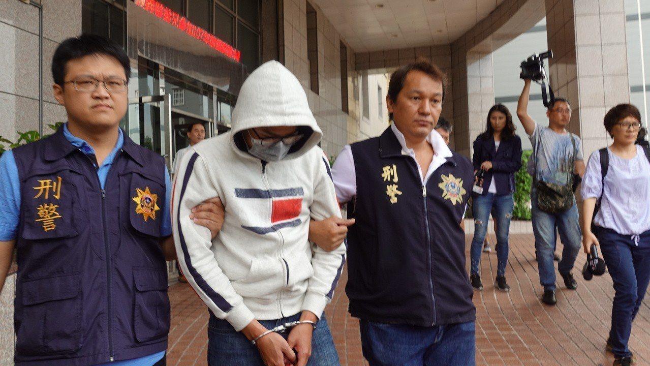 警方今上午移送殺人共犯高姓男子移送。記者劉星君/攝影