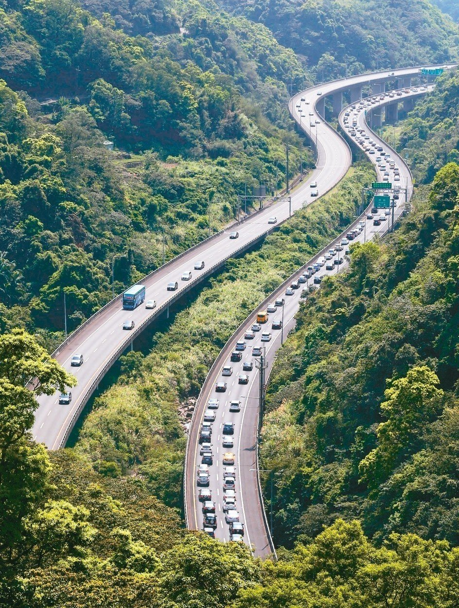 中秋連假將至,國道交通量大增易致壅塞。聯合報系資料照片