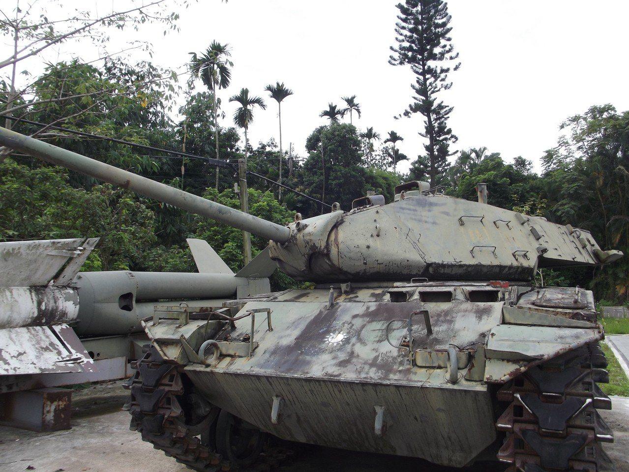 MA41A3戰車也因外觀沒有整理顯得殘破。記者謝恩得/攝影