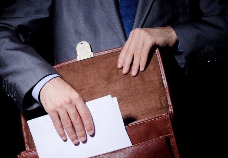 新北地檢署調查不法集團販售空頭支票情形,今天上午指揮調查局北機站前往新北、新竹等...
