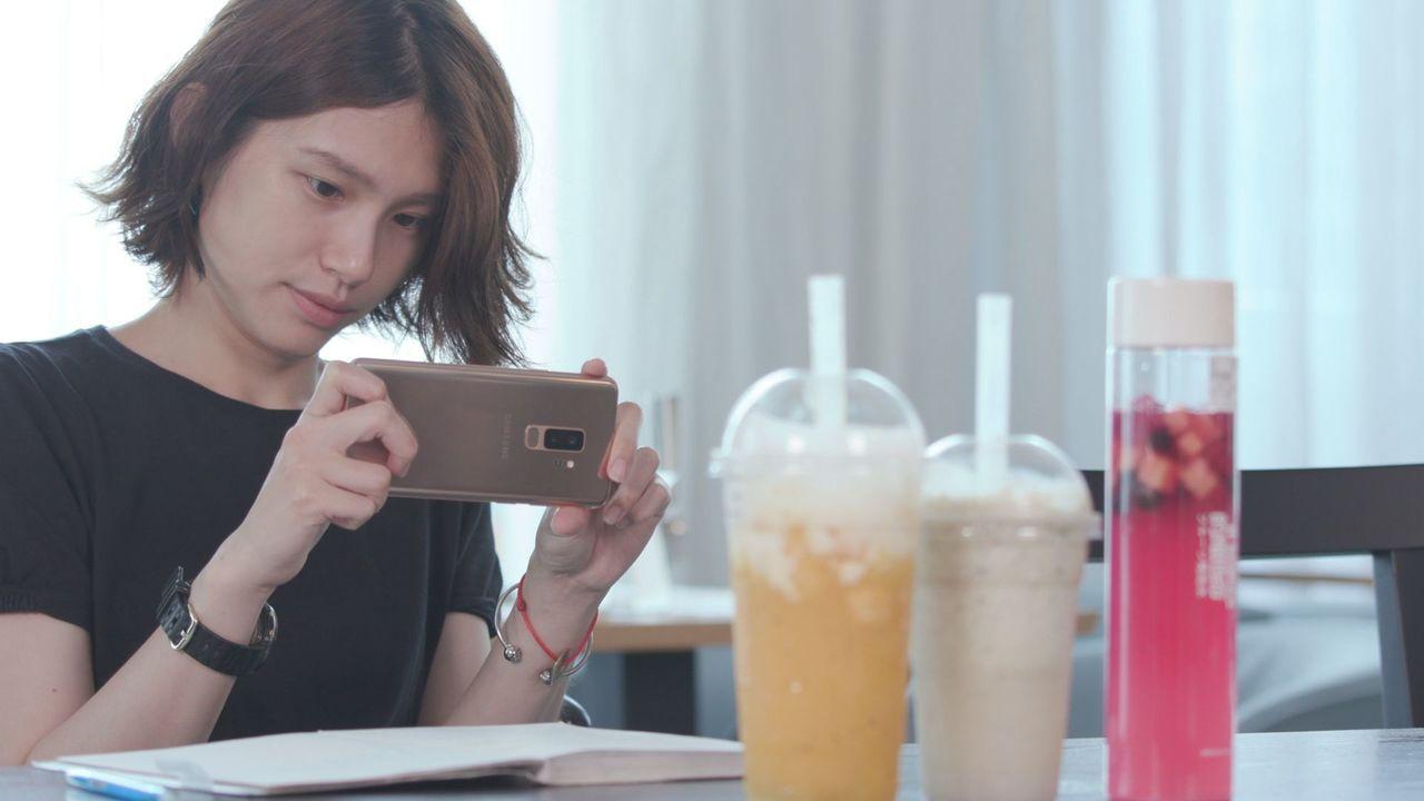 Grace經常用手機拍照,Samsung Galaxy S9+的雙光圈鏡頭設計與...