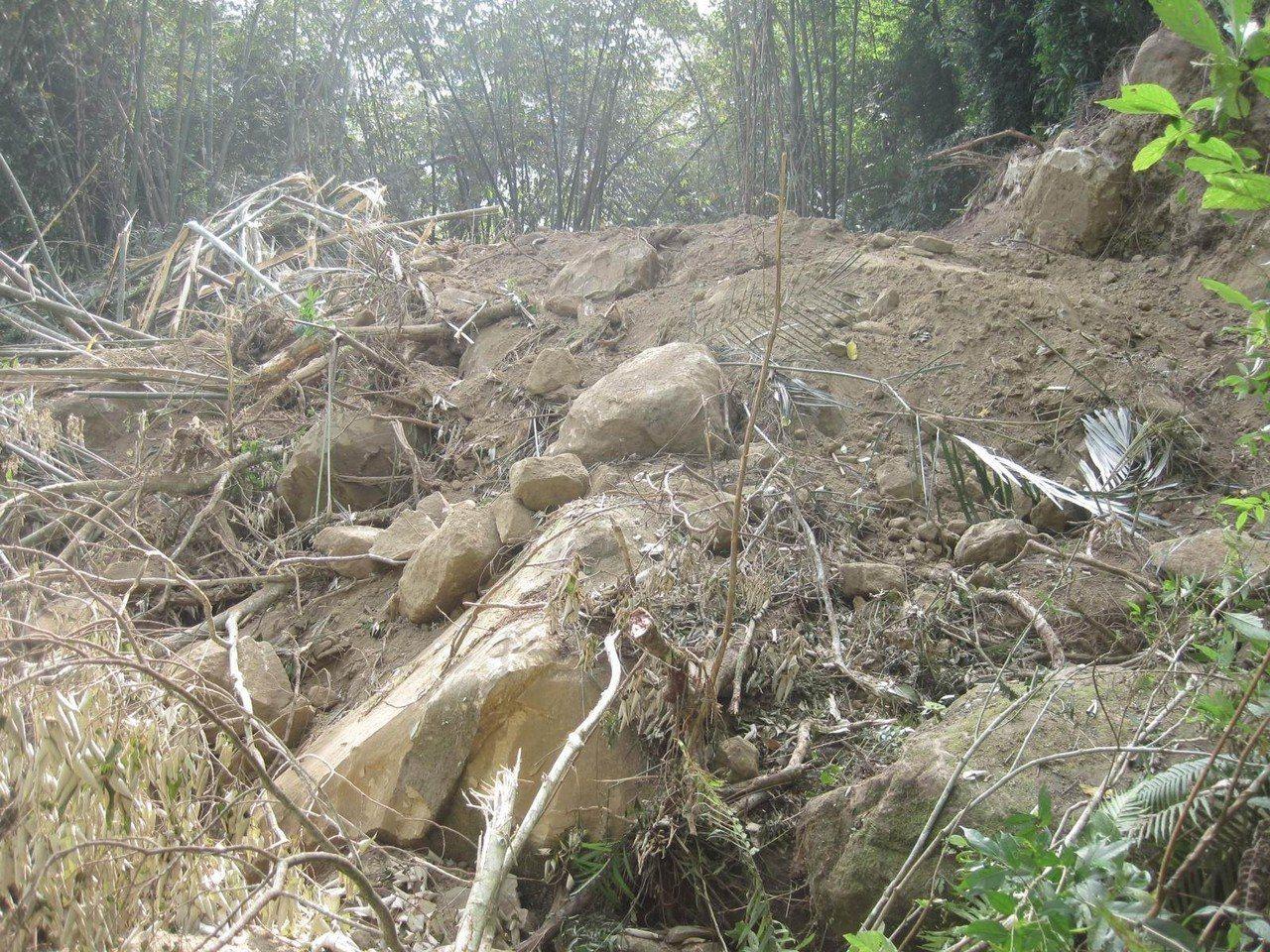 破壞水土保持將造成曾文水庫淤積加速。記者謝恩得/翻攝