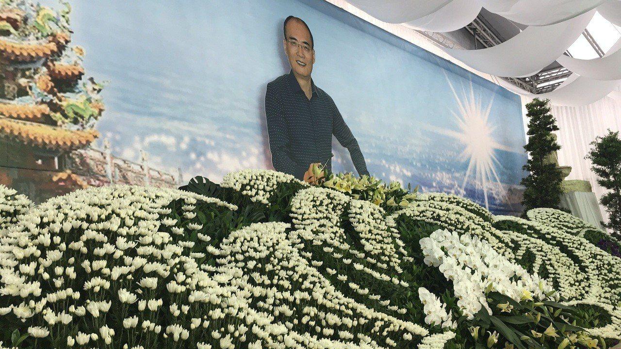 天道盟太陽會大老李文展日前因病去世,享壽65歲,明天將在他的故鄉雲林縣元長鄉舉辦...