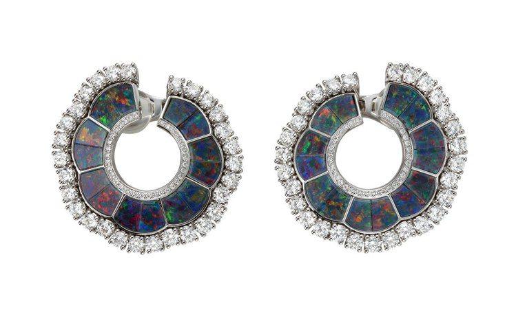L'Heure Du Diamant系列耳環,18K白金耳環鑲嵌6.3克拉鑽石與...