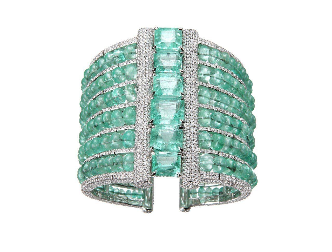 Red Carpet系列手鐲,18K白金手環鑲嵌祖母綠共193.13克拉、鑽石1...