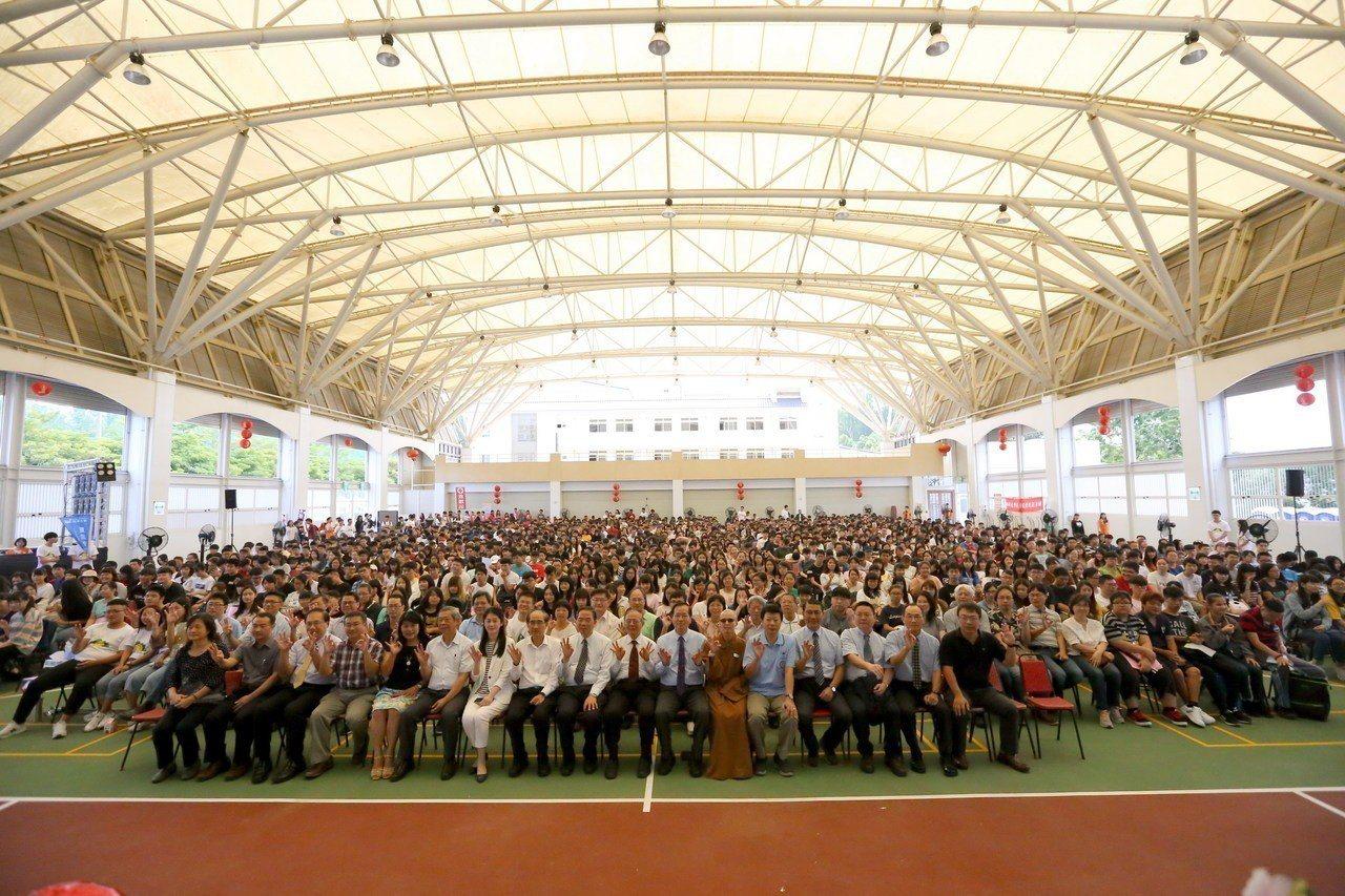 南華大學大一新鮮人生命教育成長營,以三好精神展現生命力。圖/南華大學提供