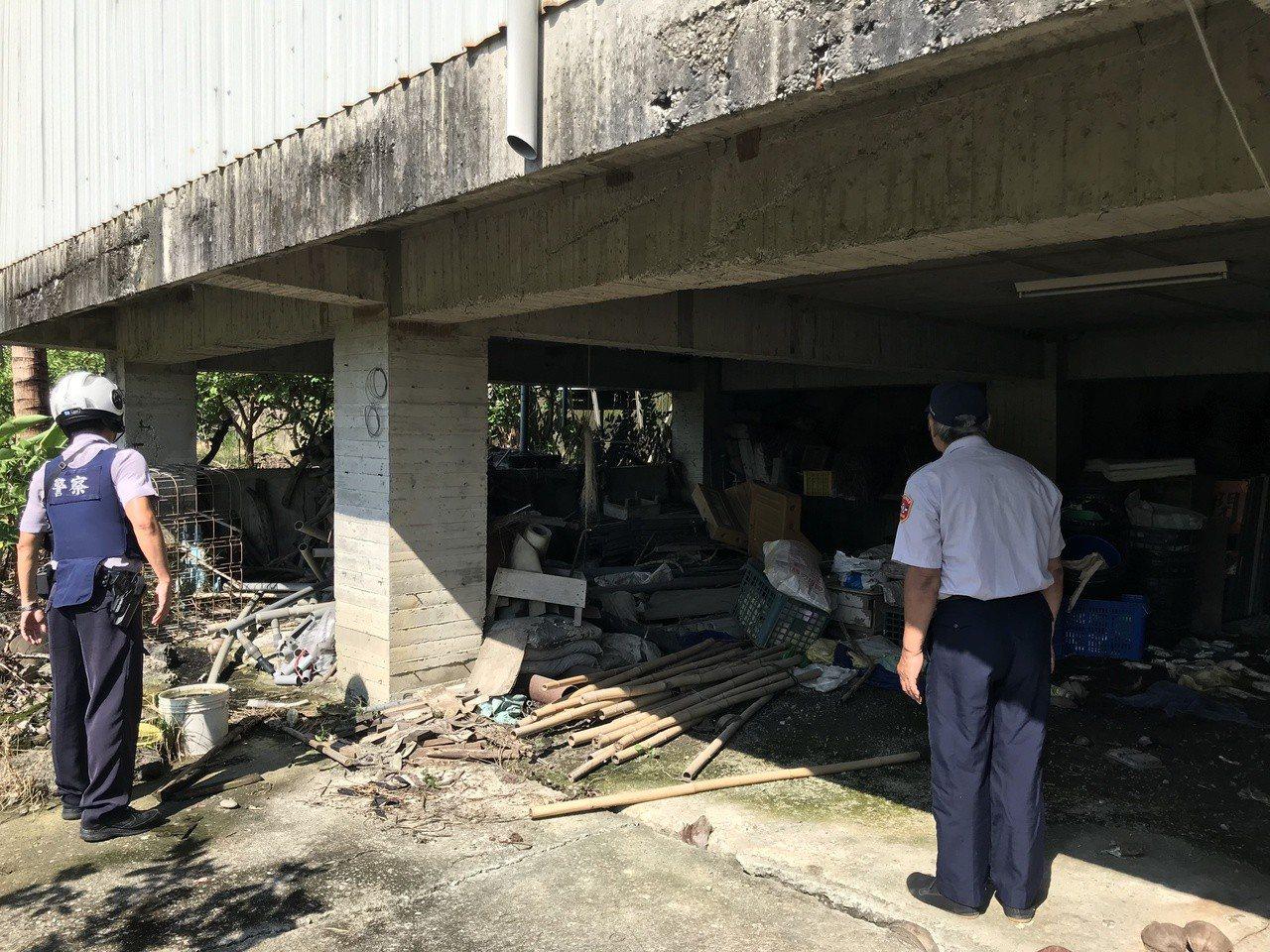 台南玉井警分局在芒果季後清查山區的空屋、工寮,預防有不法勾當。圖/玉井警分局提供