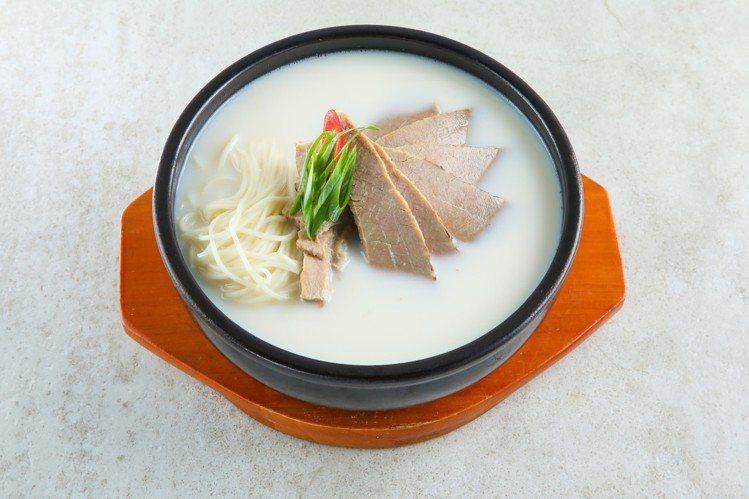 三元花園韓式餐廳特別為新光三越南西三館推出「饌美」品牌,圖為雪濃湯。圖/新光三越...