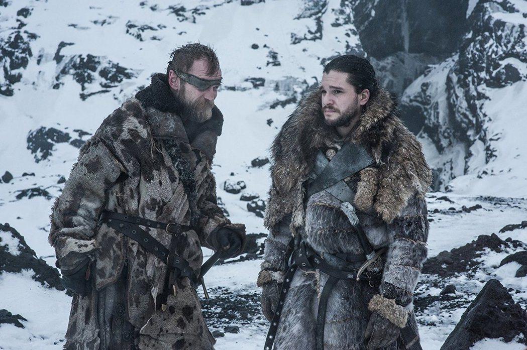 基特哈林頓(右)因「冰與火之歌:權力遊戲」事業正起飛。圖/摘自HBO