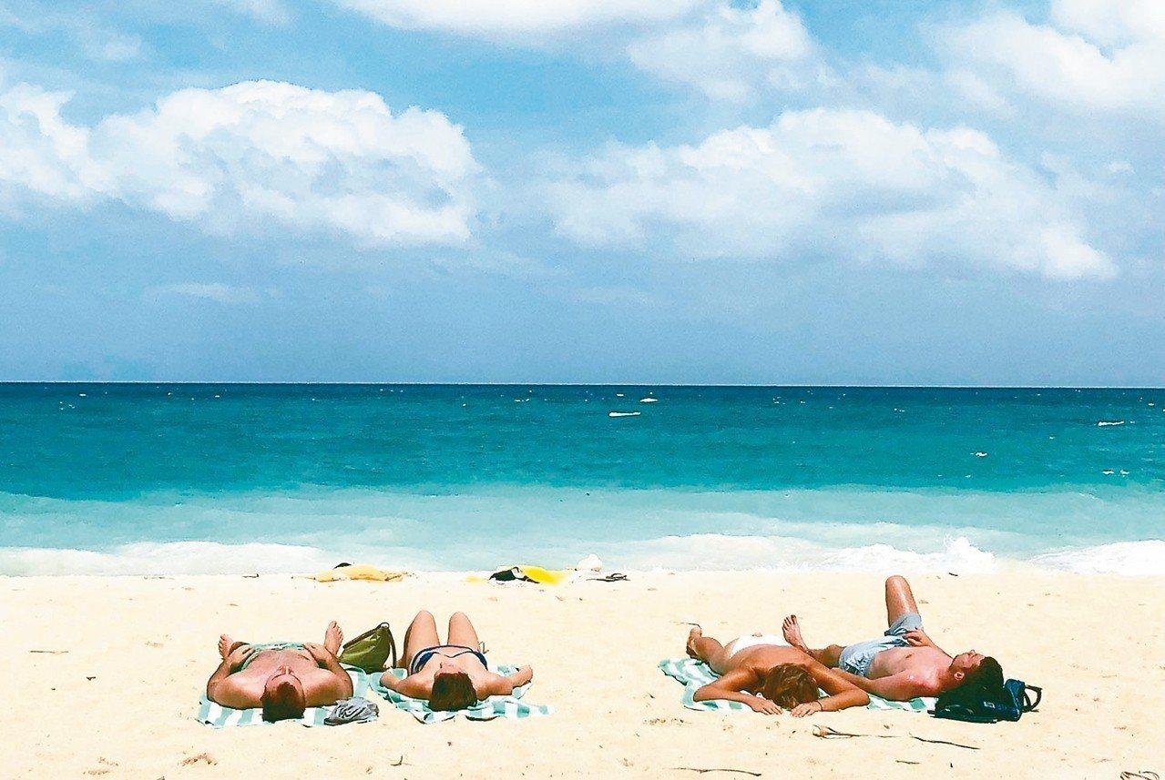 長灘島將於10月底重新開放。 美聯社