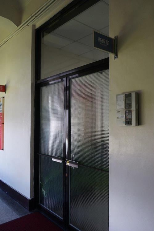 花蓮縣長辦公室今天大門緊閉。記者王燕華/攝影