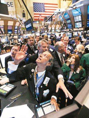 美股創下有史以來最長的多頭走勢,且標普500指數、那斯達克指數雙雙創下歷史新高,...
