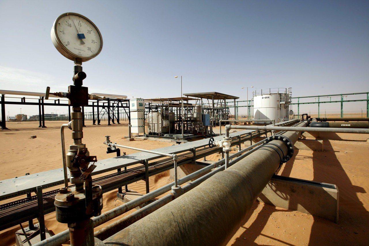 示意圖。倫敦市場原油價格自5月以來首次觸及每桶80美元,因跡象顯示全球供應正迅速...