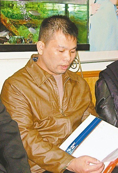 妹遭姦殺、兄偷渡被抓。華男精神分裂成遊民。記者張筠/攝影