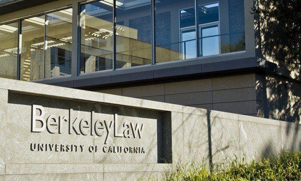 柏克萊加大法學院擬改名,原名涉19世紀排華。