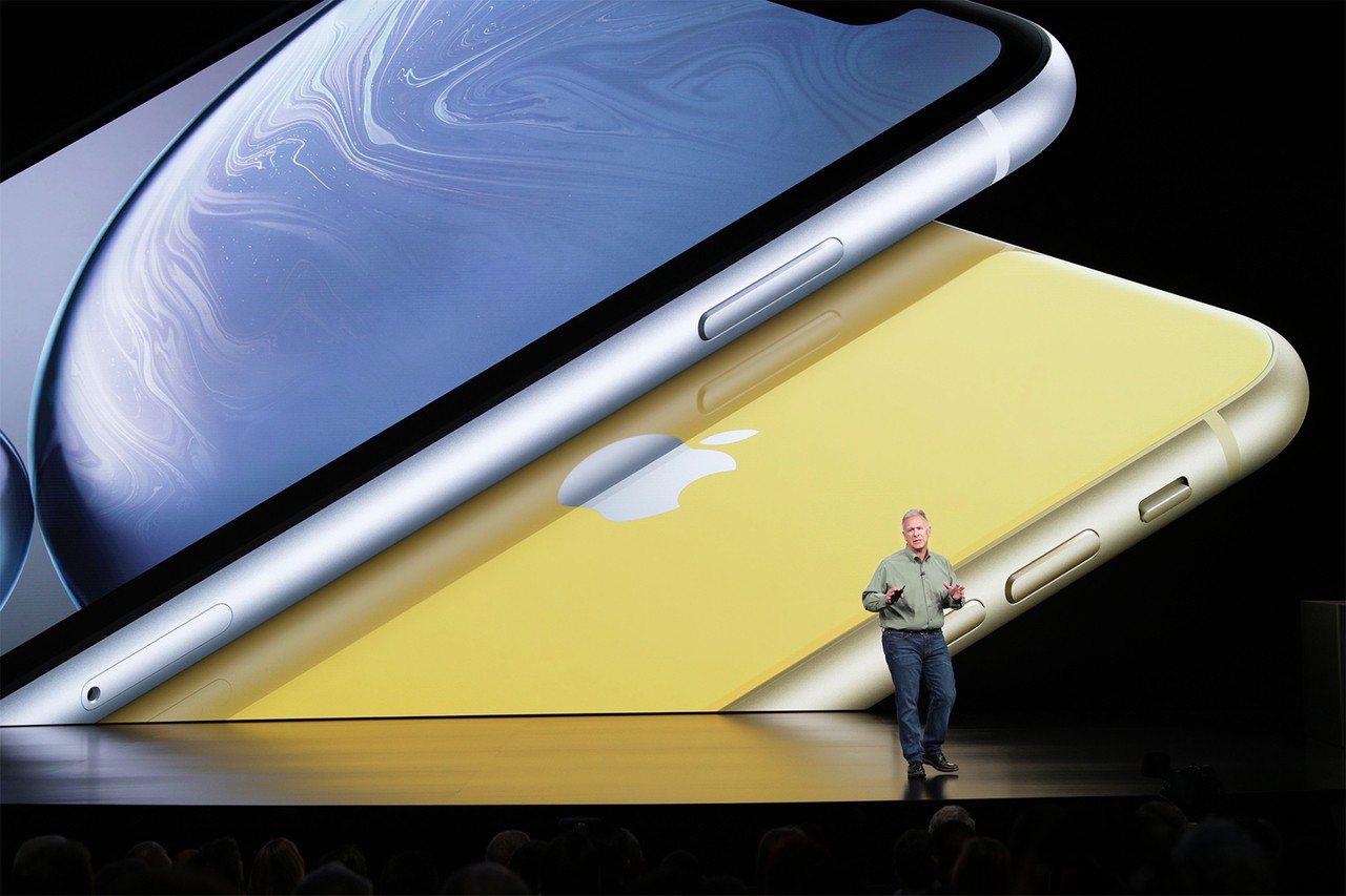 蘋果推出3款新iPhone,市場未正面反應,致蘋果股價收跌,台灣供應鏈今也現漲跌...