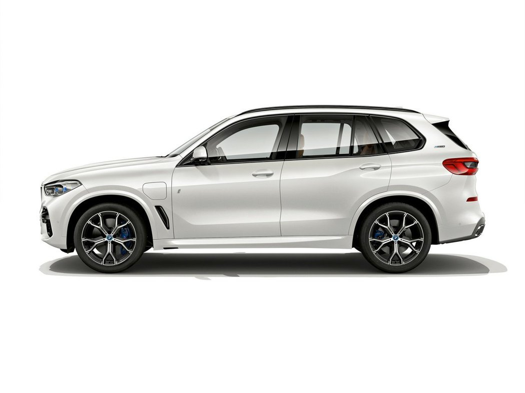 全新BMW X5 xDrive45e iPerormance。 摘自BMW
