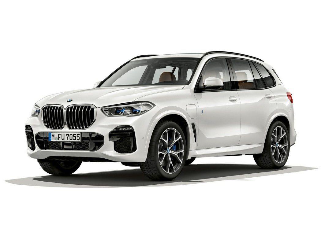 全新BMW X5 xDrive45e iPerormance在純電模式行駛之下,最大續航距離可達80公里。 摘自BMW