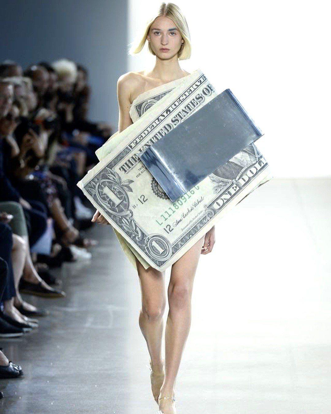 纽约时装周/想钱想疯了?KOTA OKUDA满满美金穿上