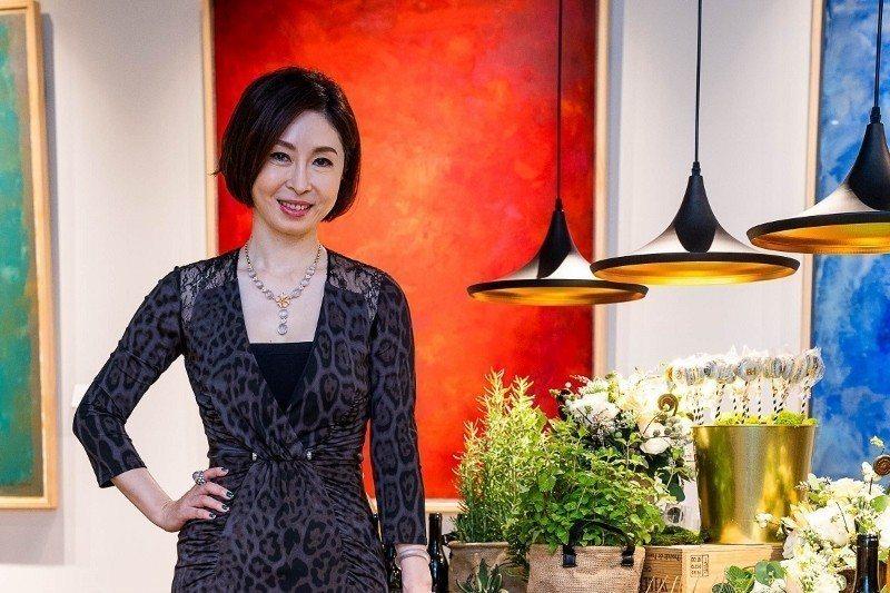 寶瑄創辦人鄭書瑄,將當代藝術與翡翠結合,創造新事業。 業者/提供