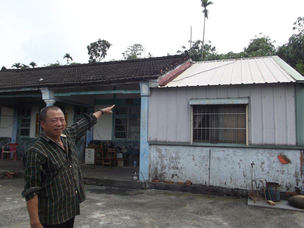 40餘年資深水電師傅何梵誠花了5天,找出屋子漏電元兇是中華電信架設在屋頂的纜線沒...