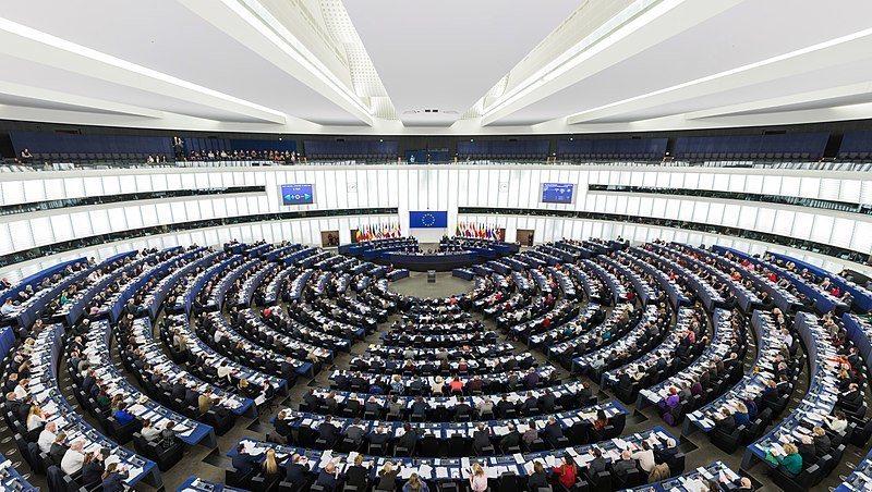 歐盟日前以438贊成,226票反對通過版權法修正案,以避免受版權保護的內容隨意被...